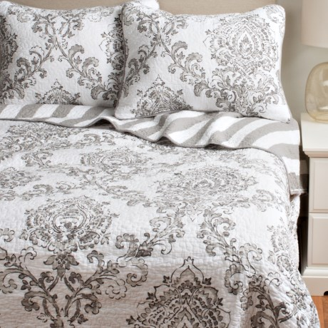 Ivy Hill Home Damask Reversible Quilt Set Full/Queen