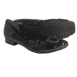 J. Renee Charline Shoes (For Women) in Black