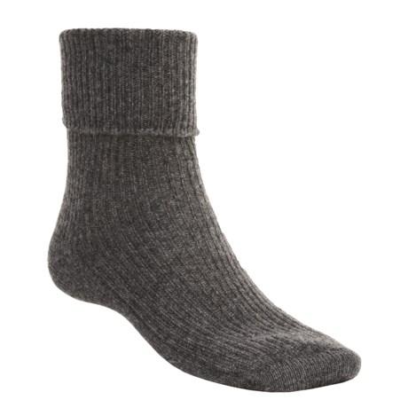 Johnstons of Elgin Cashmere Bed Socks (For Women) in Charcoal