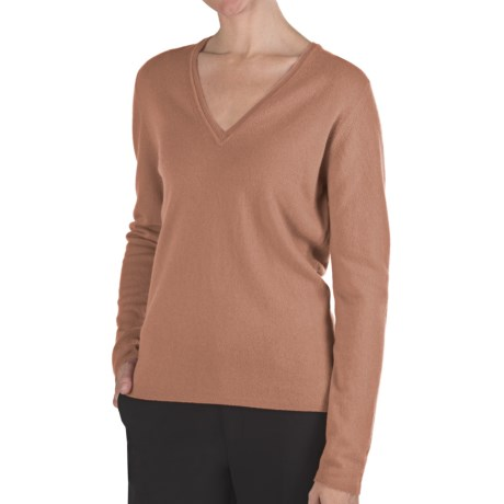 Johnstons of Elgin Classic Cashmere V-Neck Sweater - 21-Gauge (For Women) in Caramel