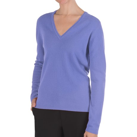 Johnstons of Elgin Classic Cashmere V-Neck Sweater - 21-Gauge (For Women) in Harebell