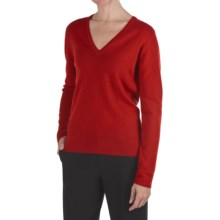 Johnstons of Elgin Classic Cashmere V-Neck Sweater - 21-Gauge (For Women) in Ruby - Closeouts