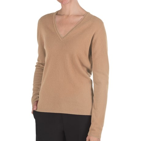 Johnstons of Elgin Classic Cashmere V-Neck Sweater - 21-Gauge (For Women) in Sand