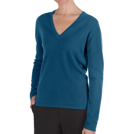 Johnstons of Elgin Classic Cashmere V-Neck Sweater - 21-Gauge (For Women)