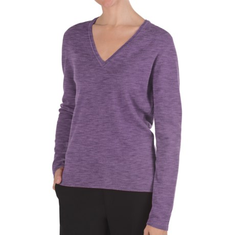 Johnstons of Elgin Classic Cashmere V-Neck Sweater - 21-Gauge (For Women) in Wisteria