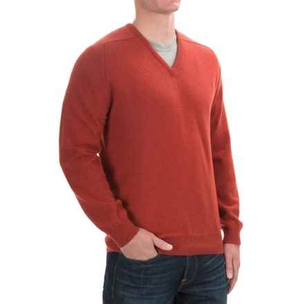 Johnstons of Elgin Scottish Cashmere Sweater - V-Neck (For Men) in Bracken - Closeouts