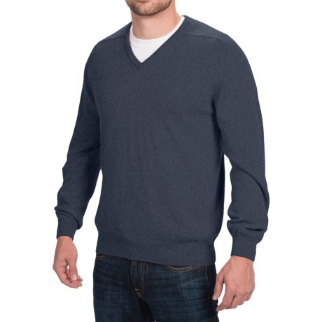 Johnstons of Elgin Scottish Cashmere Sweater - V-Neck (For Men) in Midnight