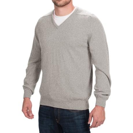 Johnstons of Elgin Scottish Cashmere Sweater - V-Neck (For Men) in Silver