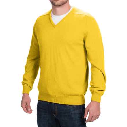 Johnstons of Elgin Scottish Cashmere Sweater - V-Neck (For Men) in Sunflower - Closeouts