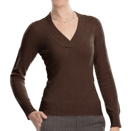 Johnstons of Elgin V-Neck Sweater - Cashmere (For Women) in Treacle
