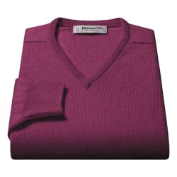 Johnstons of Elgin V-Neck Sweater - Scottish Cashmere (For Men) in Treacle