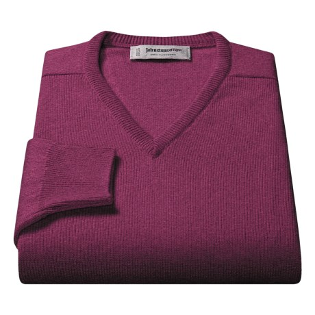 Johnstons of Elgin V-Neck Sweater - Scottish Cashmere (For Men) in Tobacco