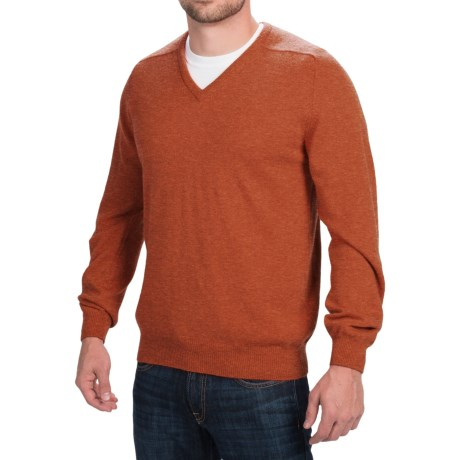 Johnstons of Elgin V-Neck Sweater - Scottish Cashmere (For Men) in Spice