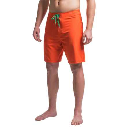 Just Keep Livin Solid Stretch 4X Boardshorts (For Men) in Cherry Tomato - Closeouts