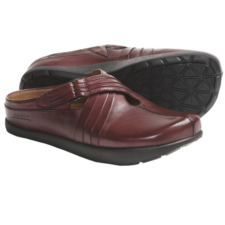 Kalso Earth Fawn Shoes - Leather, Slip-Ons (For Women) in Black Calf