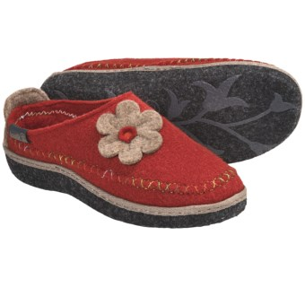 Kamik Petal Slippers (For Women) in Rust