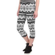 Kavu Cadence Chop Capri Leggings (For Women) in Bw Chevron - Closeouts