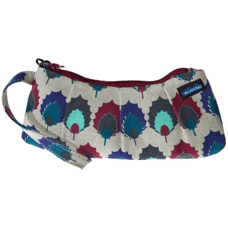 Kavu Kennedy Clutch in Holly Leaf