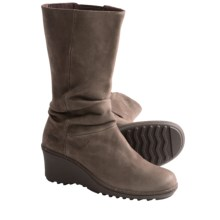 Keen Akita Mid Boots - Nubuck (For Women) in Slate Black - Closeouts