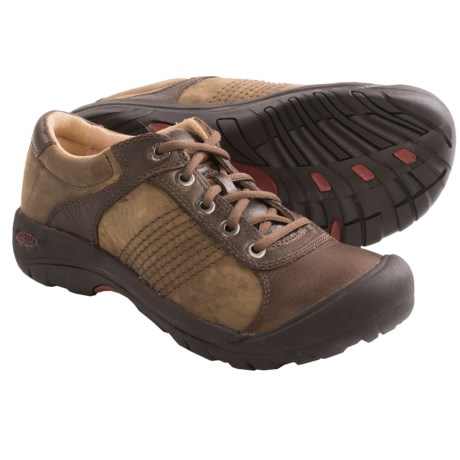 Keen Finlay Shoes (For Men) in Bison/Taupe