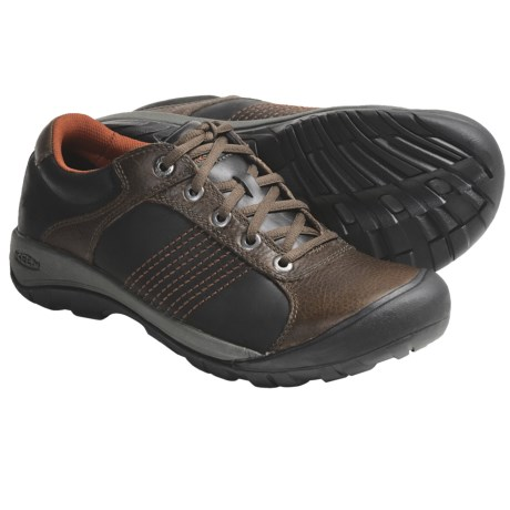 Keen Finlay Shoes (For Men) in Bison