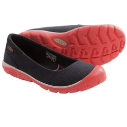 Keen Kanga Ballerina Shoes (For Women) in Black/Hot Coral