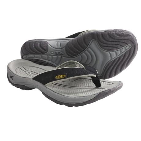 Keen Kona Sandals - Flip-Flops (For Women) in Black/Neutral Grey