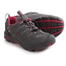 Keen Koven Low Shoes - Leather (For Little and Big Kids) in Magnet/Cerise - Closeouts