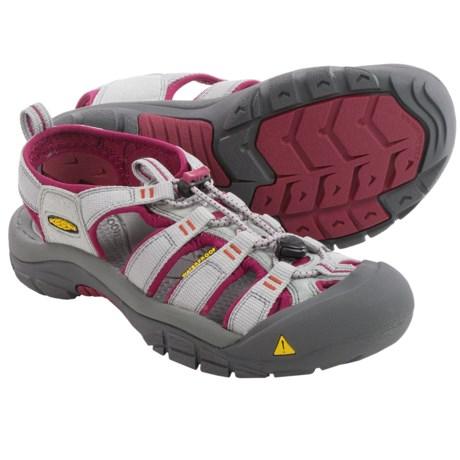 Keen Newport H2 Sandals (For Women) in Neutral Grey/Beet Red