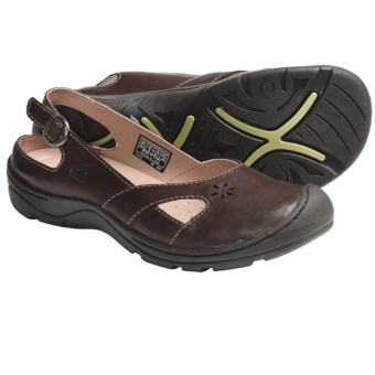Keen Paradise Shoes - Leather, Slip-Ons (For Women) in Chocolate Chip
