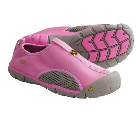 photo: Keen Rockbrook CNX water shoe