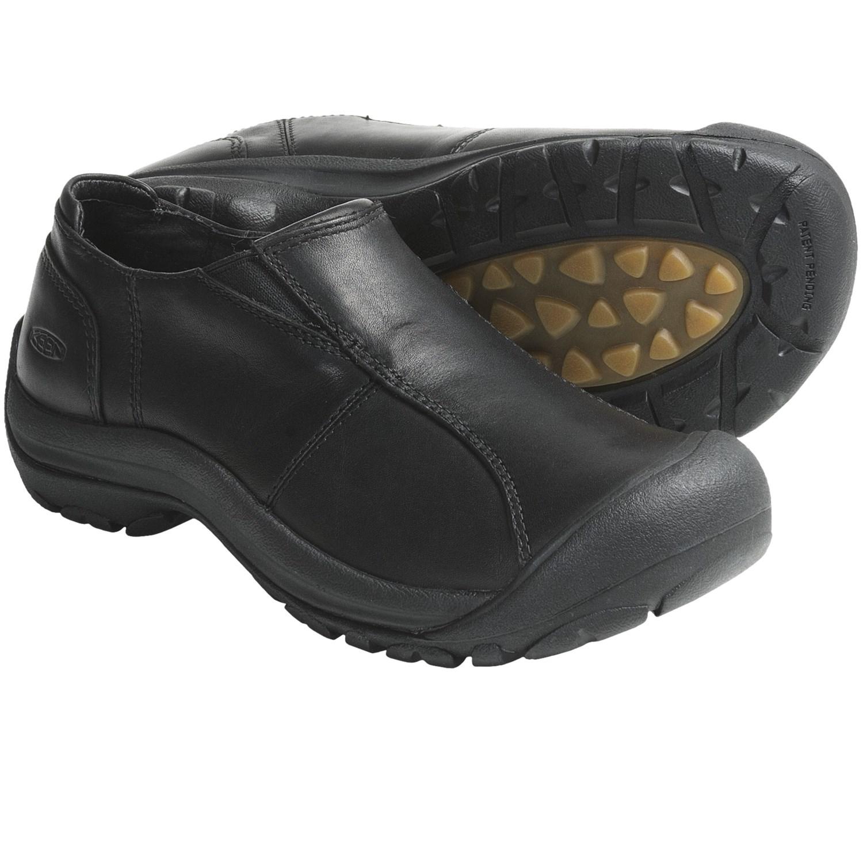 Keen Shelby Shoes - Leather, Slip-Ons (For Women) in Black Full Grain