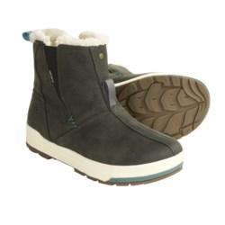 Keen Snowmass Mid Snow Boots - Waterproof, Faux-Shearling Lining (For Women) in Dark Shadow/Deep Sea