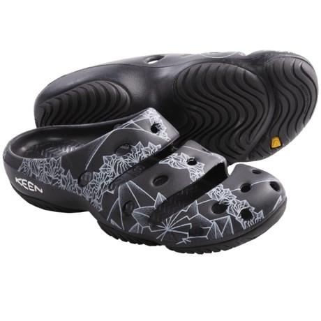 Keen Yogui Arts Sandals (For Women) in Sync Black
