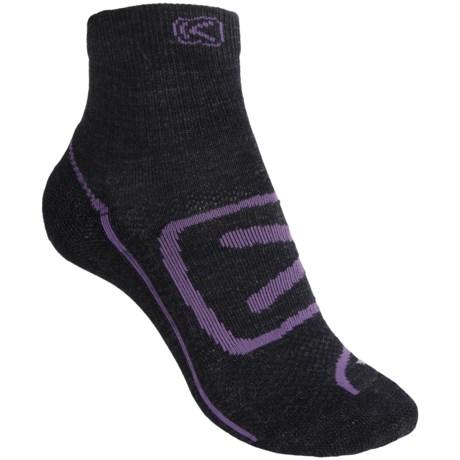 Keen Zip Hyperlite Socks - Quarter-Crew (For Women) in Charcoal/Purple Heart