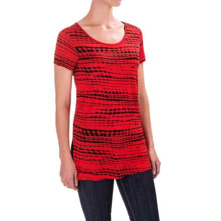 Kensie Lane Printed T-Shirt - Crew Neck, Short Sleeve (For Women) in Hot Lava - Closeouts