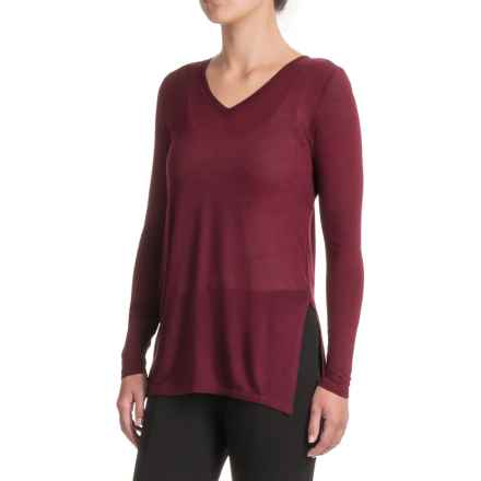 Kensie V-Neck Shirt - Long Sleeve (For Women) in Wildberry - Closeouts