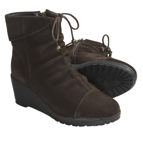 Khombu Sundown Shoes - Suede (For Women) in Dark Brown