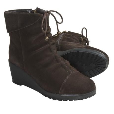 Khombu Sundown Shoes - Suede (For Women) in Dark Brown