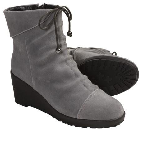 Khombu Sundown Shoes - Suede (For Women) in Grey