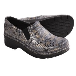 Klogs Naples Leather Clogs - Closed Back (For Women) in Grey Cloud