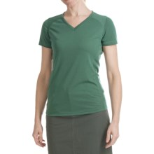 Kuhl Prima Shirt - V-Neck, Short Sleeve (For Women) in Emerald - Closeouts