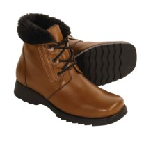 La Canadienne Libra Boots - Faux-Fur Lining (For Women) in Tan - Closeouts
