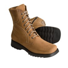 La Canadienne Liza Leather Boots - Lace-Ups (For Women) in Camel Nubuck - Closeouts