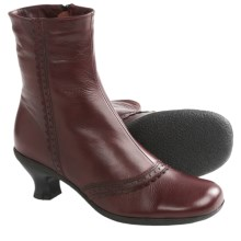 La Canadienne Tiara Winter Ankle Boots (For Women) in Bordo Leather - Closeouts