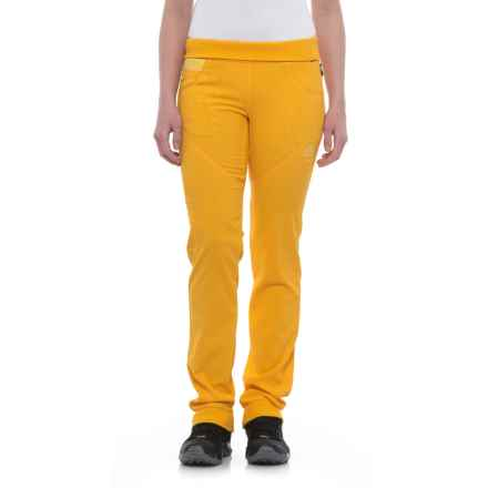 La Sportiva Chaxi Pants (For Women) in Papaya - Closeouts