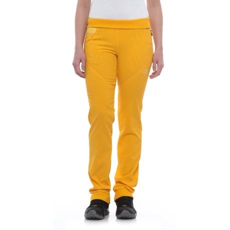 La Sportiva Chaxi Pants (For Women) in Papaya
