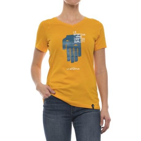 La Sportiva Hand T-Shirt - Short Sleeve (For Women) in Papaya