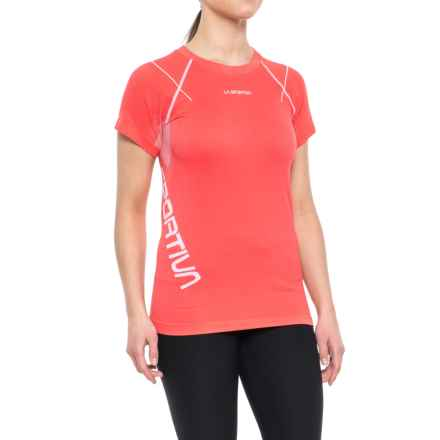 La Sportiva Jedy T-Shirt - Short Sleeve (For Women) in Coral - Closeouts