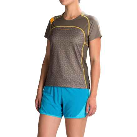 La Sportiva Summit T-Shirt - Short Sleeve (For Women) in Taupe - Closeouts